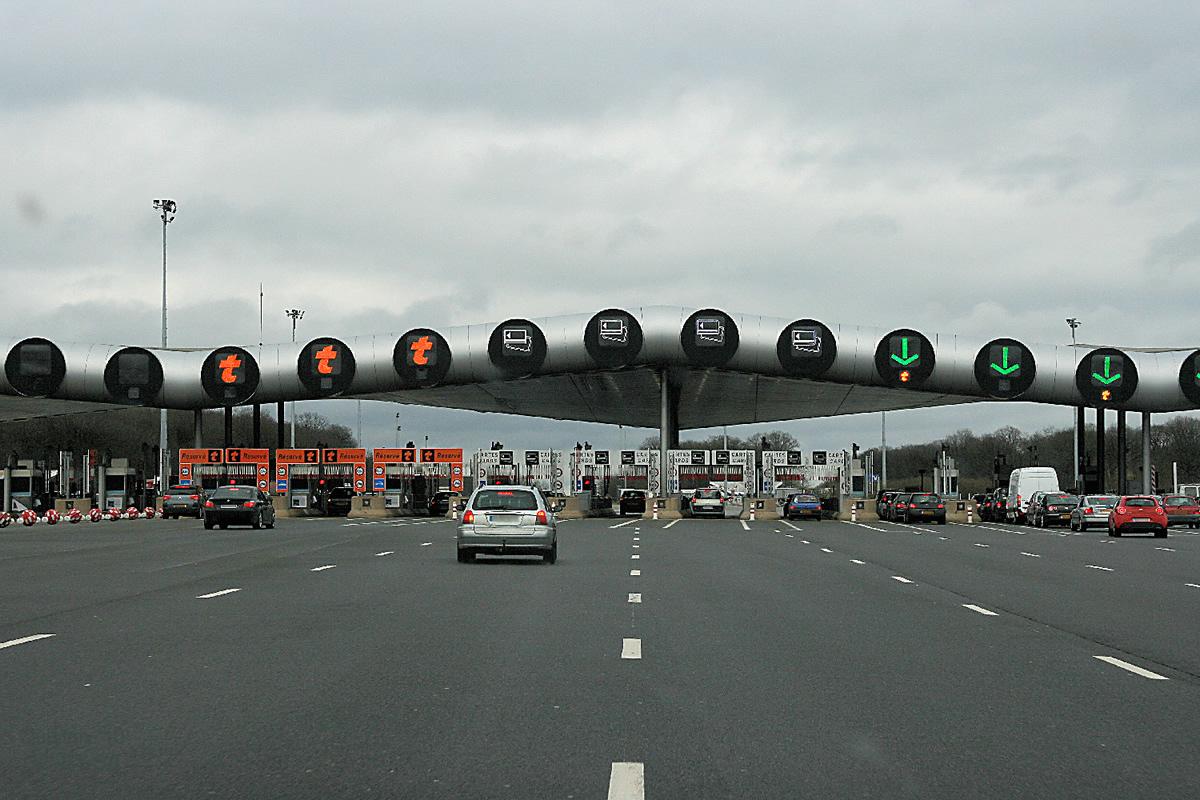 gare-peage-autoroute